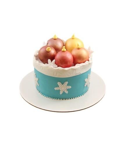Новогодний торт с игрушками