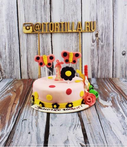 Торт на годик с бабочками