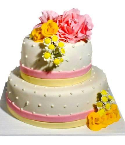 Торт с красивыми цветами
