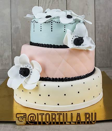 Свадебный торт 3 цвета