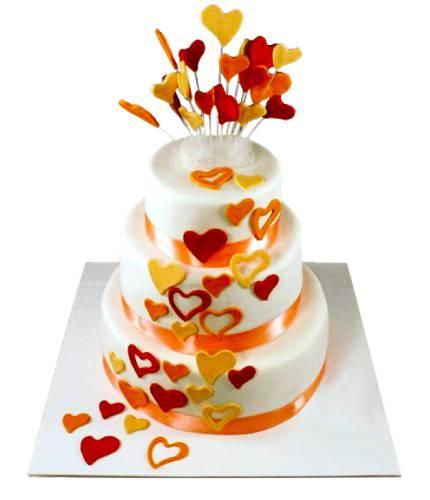 Торт с разноцветными сердечками