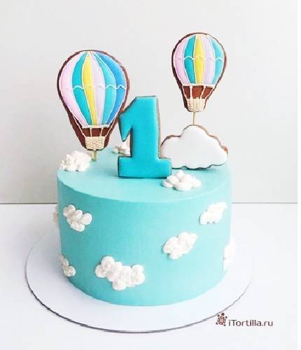 Торт на годик с воздушными шарами