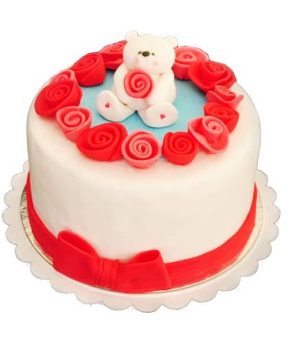 Торт с мишкой и цветами
