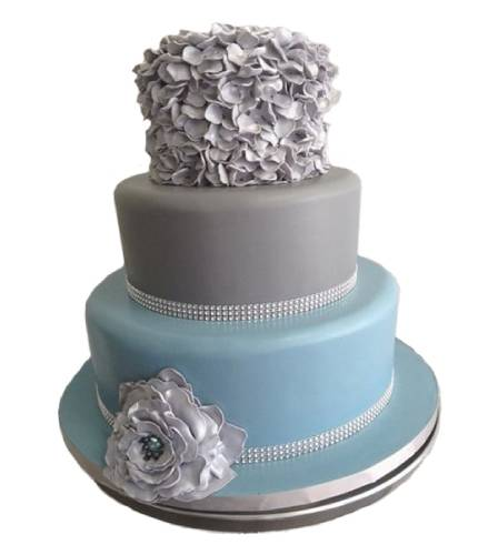 Торт с серебряными розами