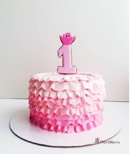 Торт с рюшами на 1 год