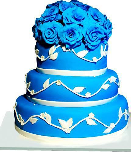 Торт с синими цветами