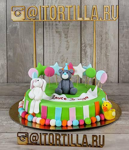 Яркий торт со зверушками