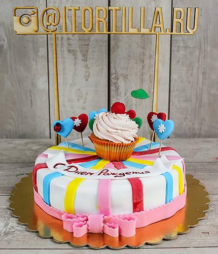 Торт Кекс с вишенкой